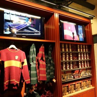 Boutique Harry Potter à King's Cross S10