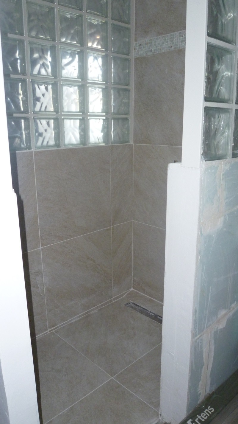 """cabine de douche ou douche à carreler façon """"italienne"""" ??? - Page 9 P1030310"""