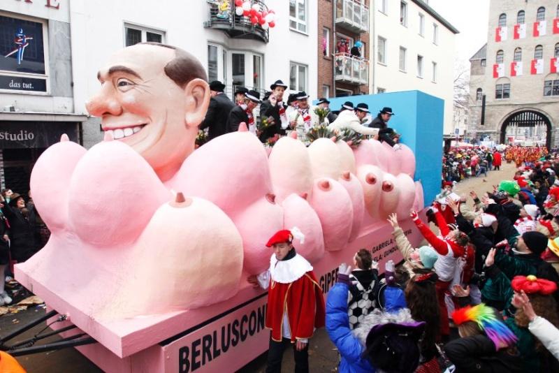 Традиционные праздники и фиесты Европы - Страница 6 Berlus10
