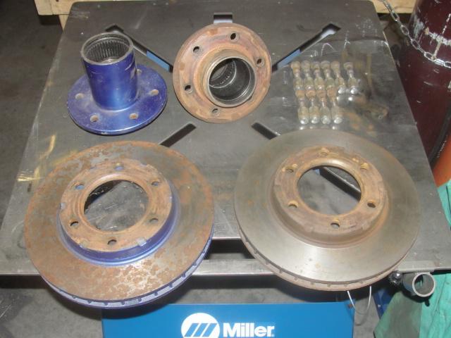 6 lug hubs and rotors  Dsc03211