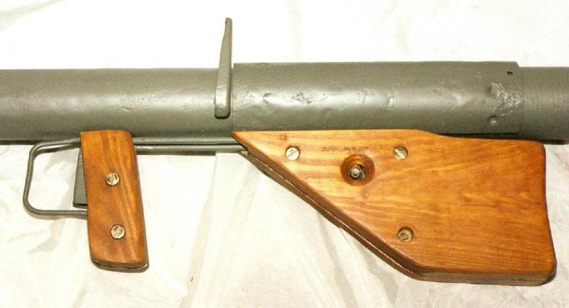 Le lance roquette * U.S. M1 A1 de 2,36 pouces (60mm). ( * Rocket Launcher * ) Lfac_a17