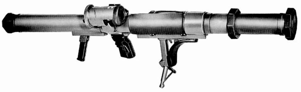 Le lance roquette * U.S. M1 A1 de 2,36 pouces (60mm). ( * Rocket Launcher * ) Lrac-810