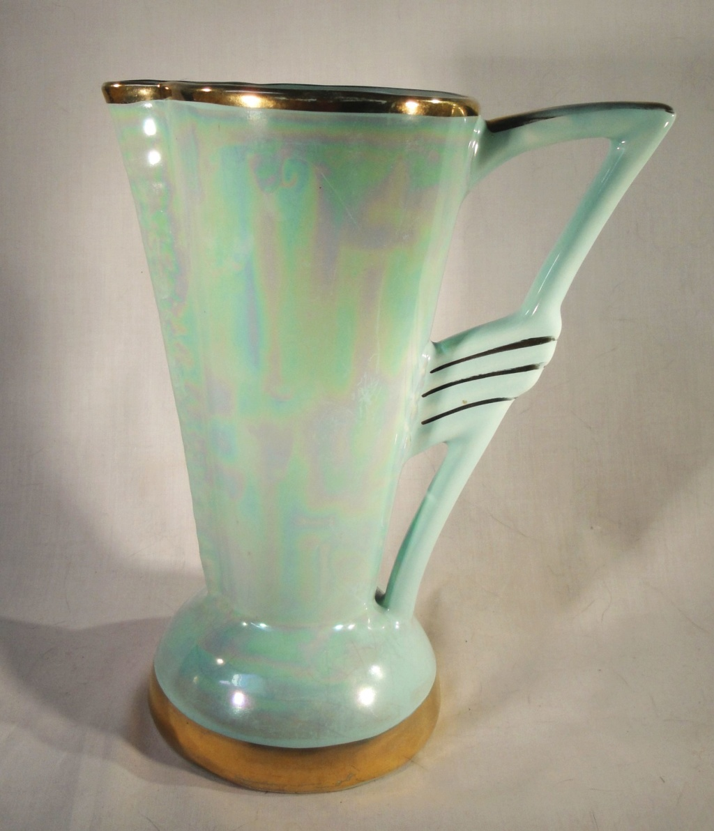 Can anyone help with this Art Deco Vase Deco_v10