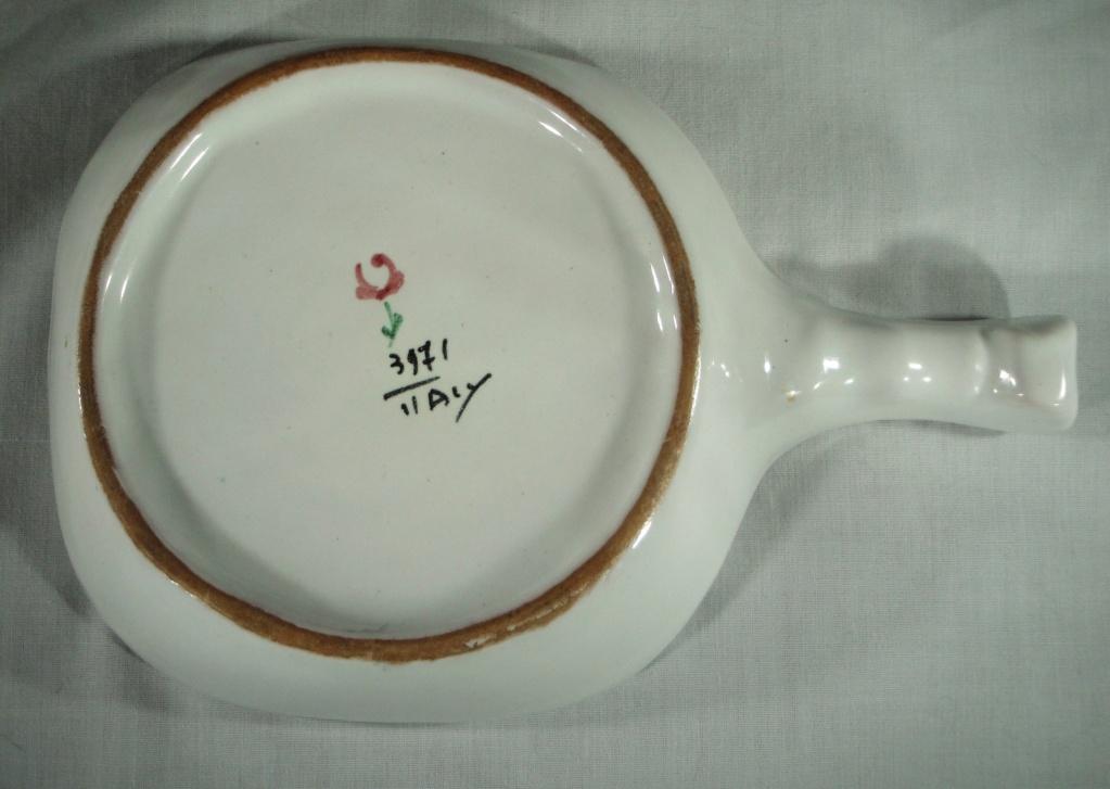 Italian small tray / pin dish- interesting flower mark on base - any ideas? Flower11