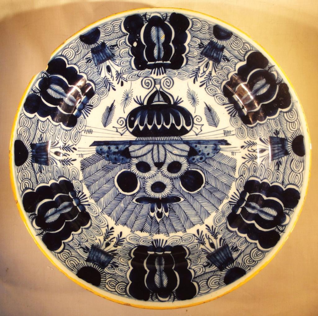 Klauw Peacock Pattern, Delft ware plate  Sc_pla11