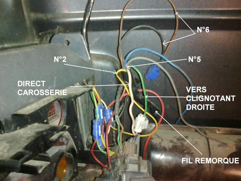 Problème de branche ment faisceau prise d'attelage sur feux arrière Branch11