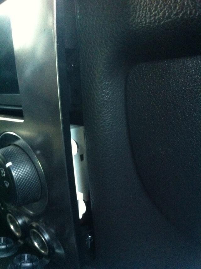 installation gps dvd bluetooth...Hummer h3 Photo116