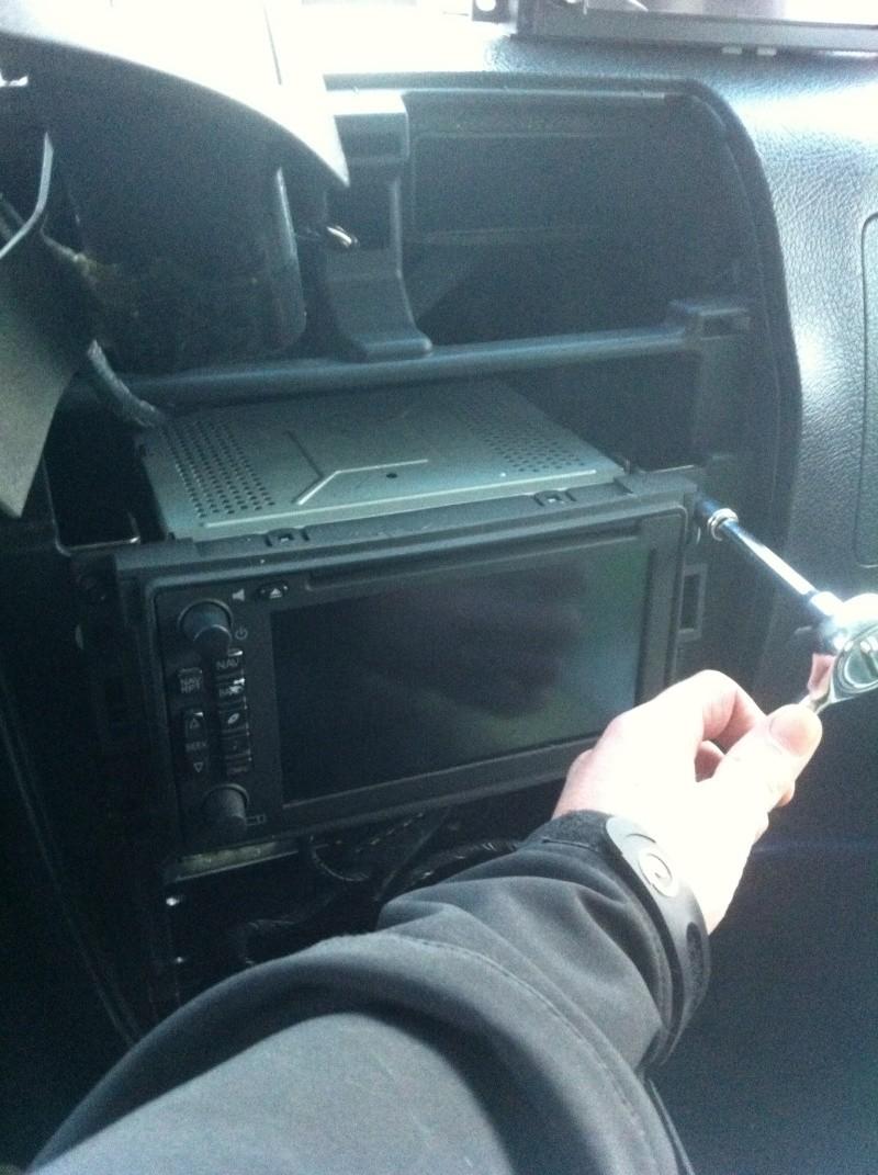 installation gps dvd bluetooth...Hummer h3 Photo411