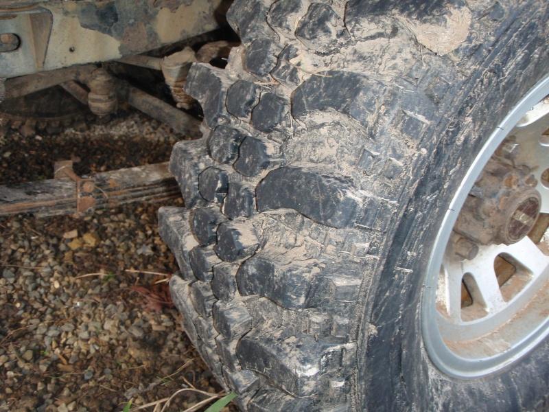 Vend pneu TT 265/75/15(vendu) P1260111