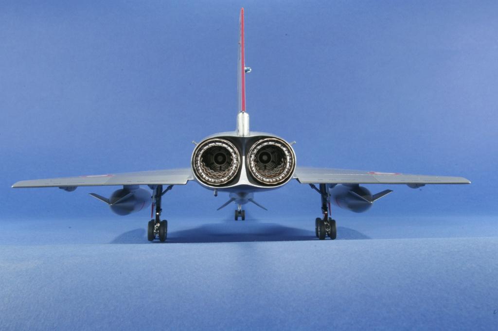 Mirage IVA Heller 1/48ème - Vitrine Imgp6823