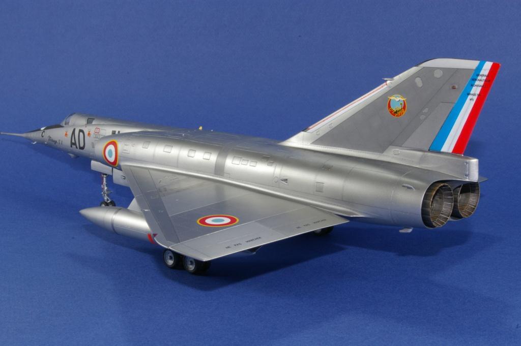 Mirage IVA Heller 1/48ème - Vitrine Imgp6825