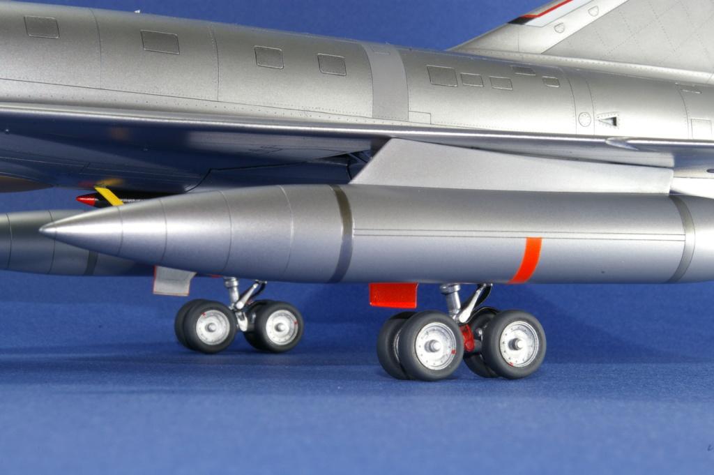 Mirage IVA Heller 1/48ème - Vitrine Imgp6916