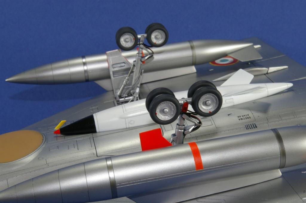Mirage IVA Heller 1/48ème - Vitrine Imgp6927