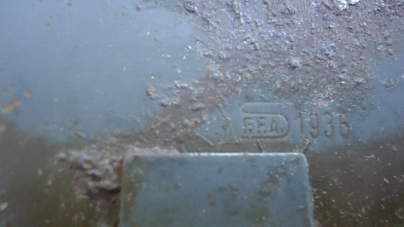 On trouve des trucs sympa dans les vides greniers. - Page 3 Dsc03457
