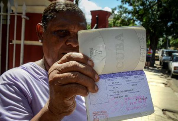 Rivoluzione a Cuba, da oggi i cubani possono viaggiare all'estero 602-4010