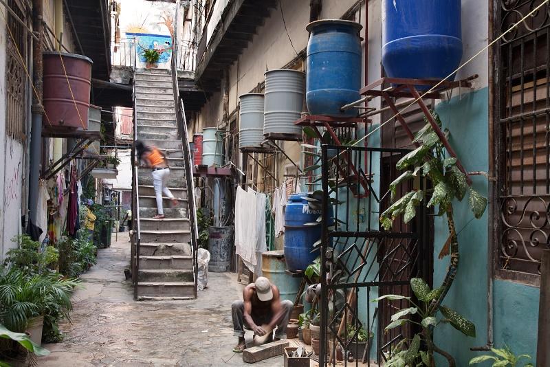 Mi ciudad muere de ruinas e indigencia Havana10