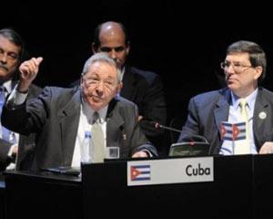 Raúl Castro: En Cuba no hay droga, solo un poquito de marihuana Raulce10
