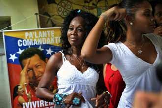 Toque de tambor en La Habana por la salvación de Hugo Chávez Santer10