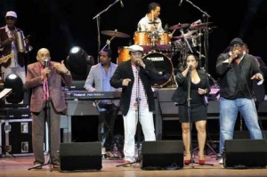 Bailables en toda Cuba saludarán triunfo de la Revolución Van-va10