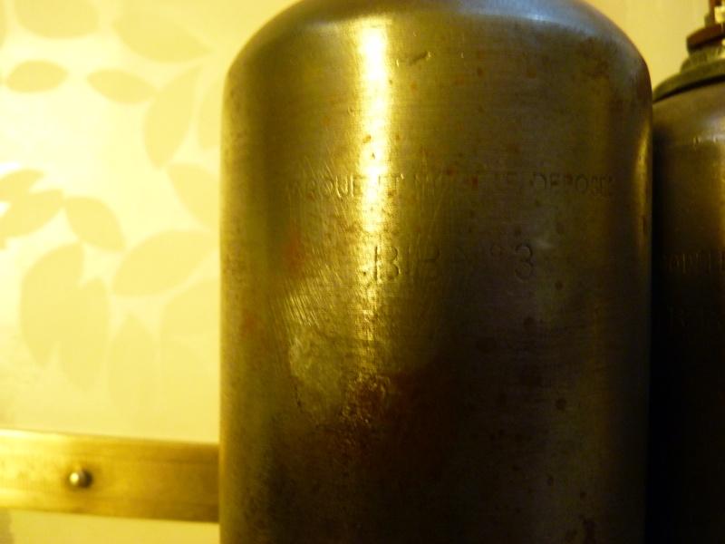 Burette à huile .....BIB  P1060245