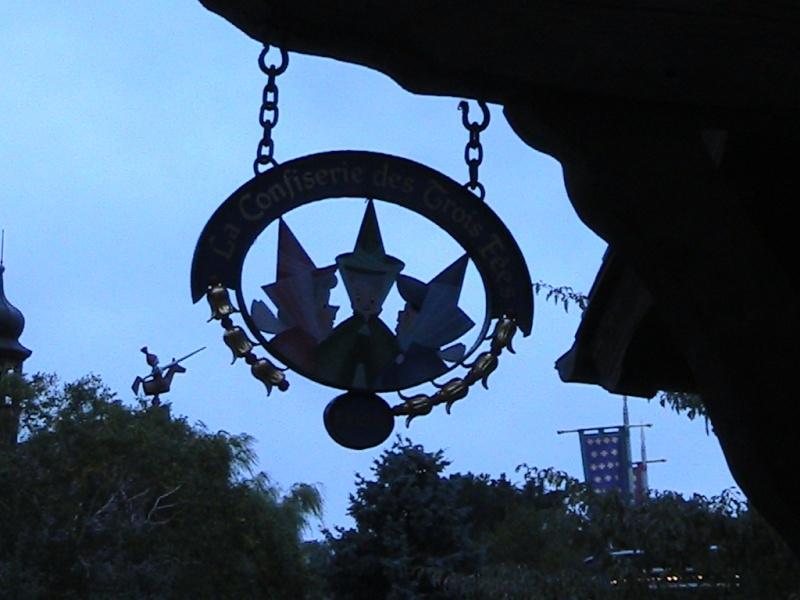 séjour du 4 et 5 octobre 2012 pour un premier Halloween à DISNEY. - Page 13 Img_0410