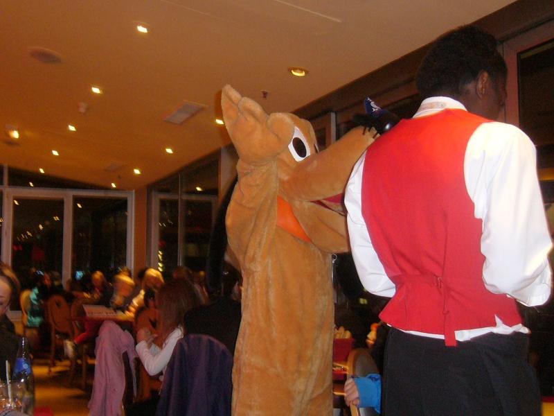 séjour du 4 et 5 octobre 2012 pour un premier Halloween à DISNEY. - Page 13 P1010616