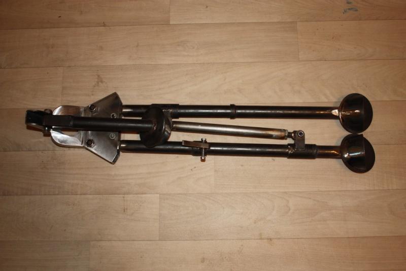 fabrication d'un trépied M2 pour browning cal.30 Img_5417
