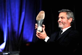 George Clooney George Clooney George Clooney! - Page 7 Cloone12