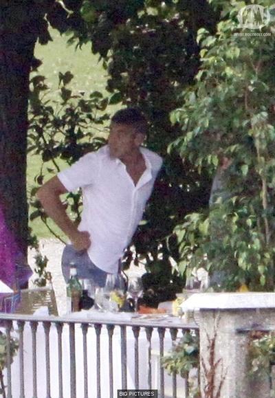 George Clooney George Clooney George Clooney! - Page 5 Pszfgo10