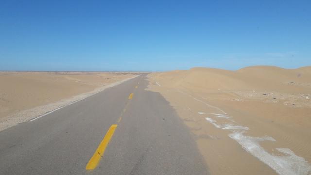 [Carburant, Routes, Police]   Est il  intéressant d'aller jusqu'à TAN TAN Maroc_20