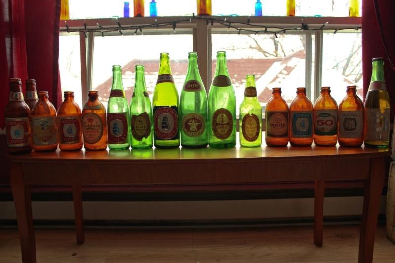 Bouteilles de bières avec étiquettes Beer10