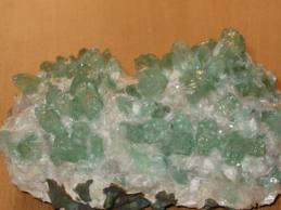 Apophyllite (La bible des cristaux) Images22