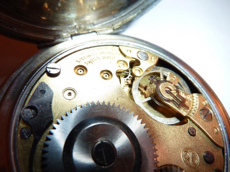 Jaeger -  [Le TOPIC des demandes d'IDENTIFICATION et RENSEIGNEMENTS de montres est ICI] - Page 40 P1040012