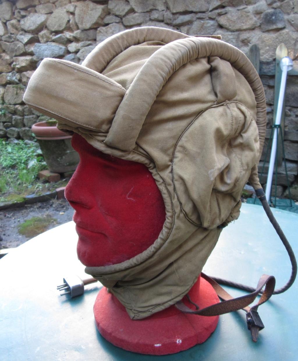 Un casque char soviétique en toile sable... Car_ch10
