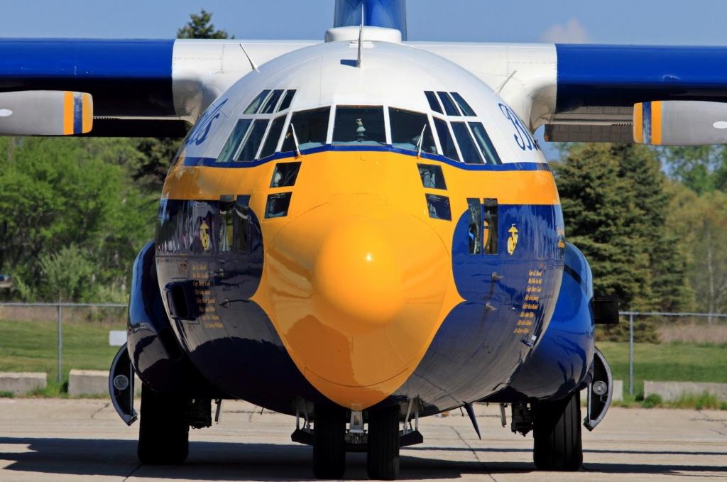 """C-130 Hercules Blue Angels 1/72 """"MPC"""" 51442_10"""