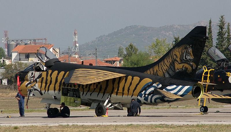 A-7A Corsair 2 1/72 clap de fin !!!!!!!! 800px-10
