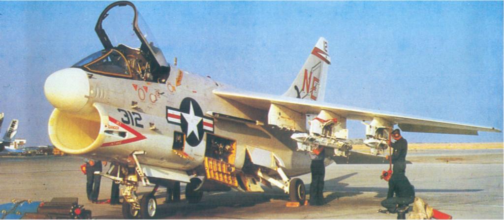 A-7A Corsair 2 1/72 clap de fin !!!!!!!! A-7b10