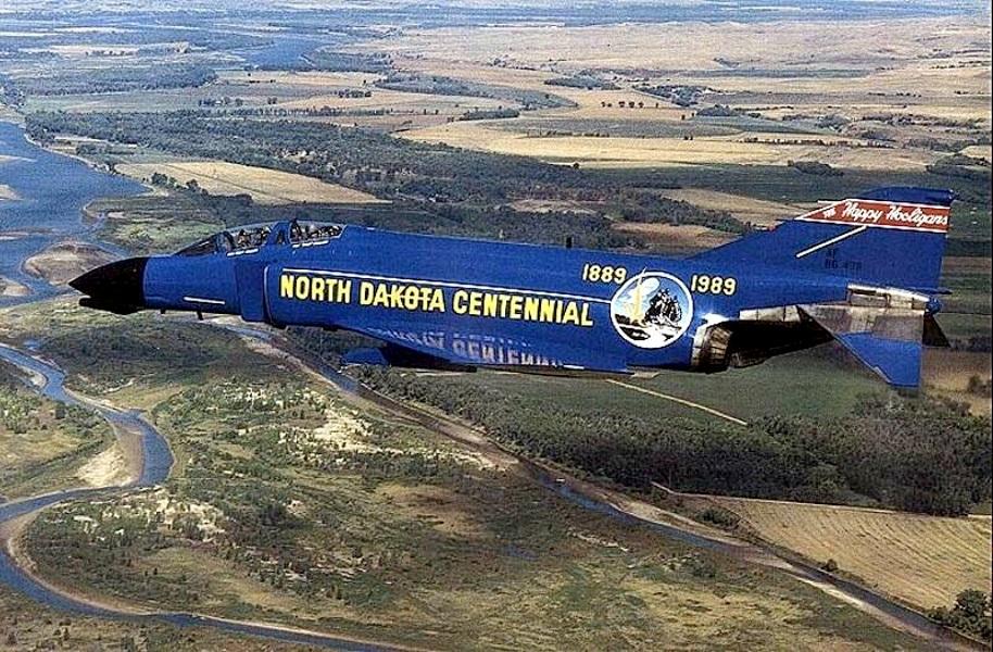 "F4-D PHANTOM ""North Dakota Centennial"" (Italeri) 1/72 F4d66710"
