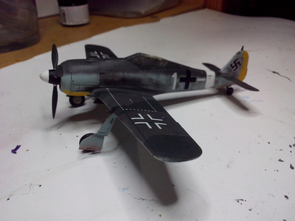 FW-190 A4 (ZVEZDA) - Page 3 Img_2190