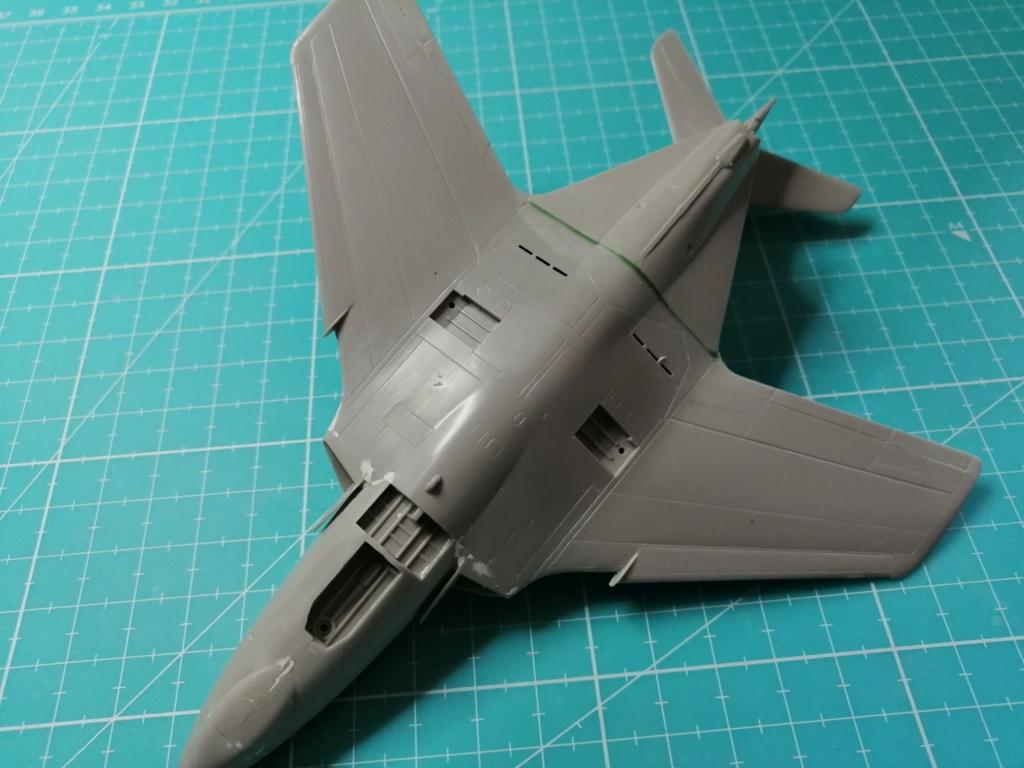 F9F-8 COUGAR Blue Angels (Hasegawa) 1/72 Img_2504
