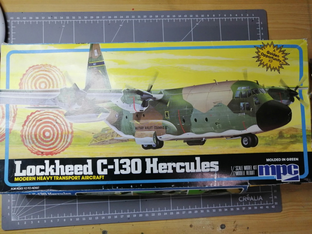 "C-130 Hercules Blue Angels 1/72 ""MPC"" Img_2552"