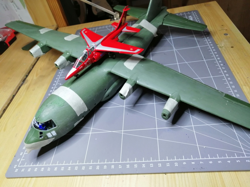 "C-130 Hercules Blue Angels 1/72 ""MPC"" Img_2570"