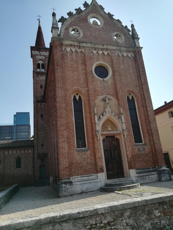 Chiesa Medioevale 1470 Img_2029