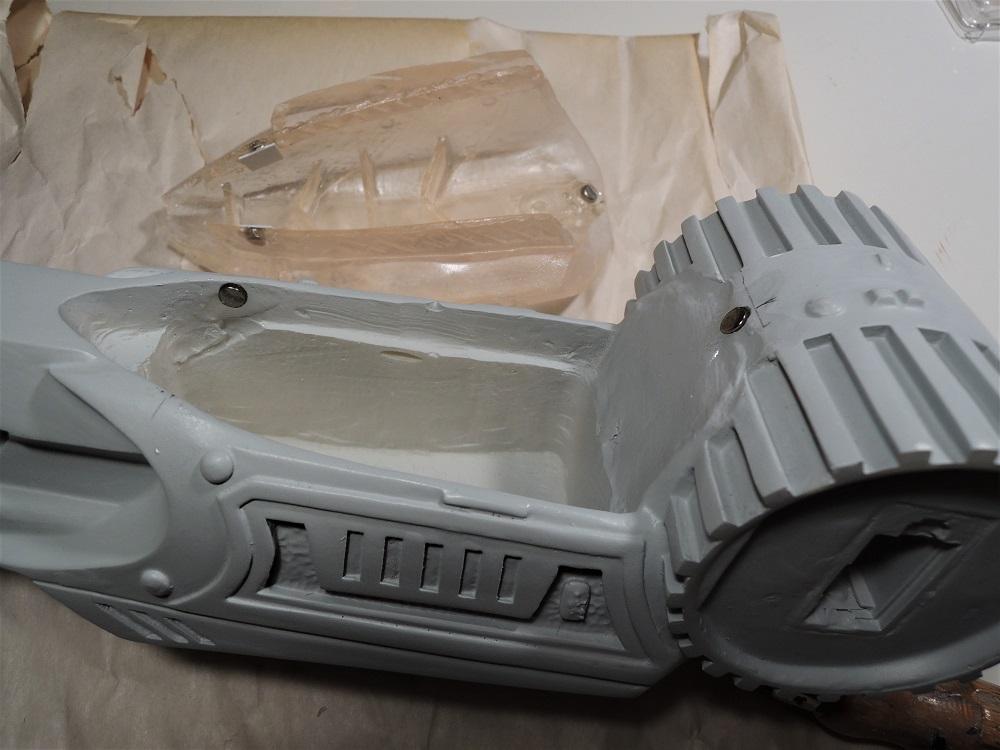 Gun à Plasma et lance de Predator Dscn7210