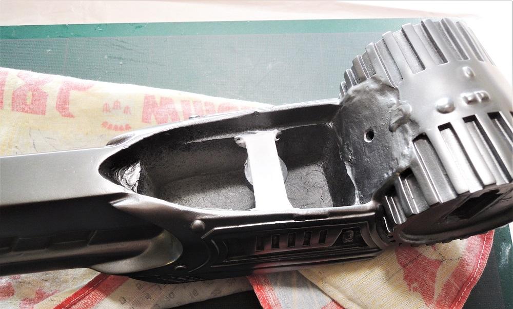 Gun à Plasma et lance de Predator Dscn7218