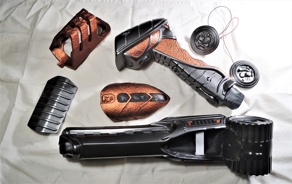 Gun à Plasma et lance de Predator Dscn7221