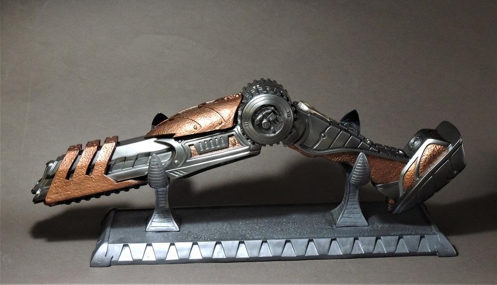 Gun à Plasma et lance de Predator Dscn7310