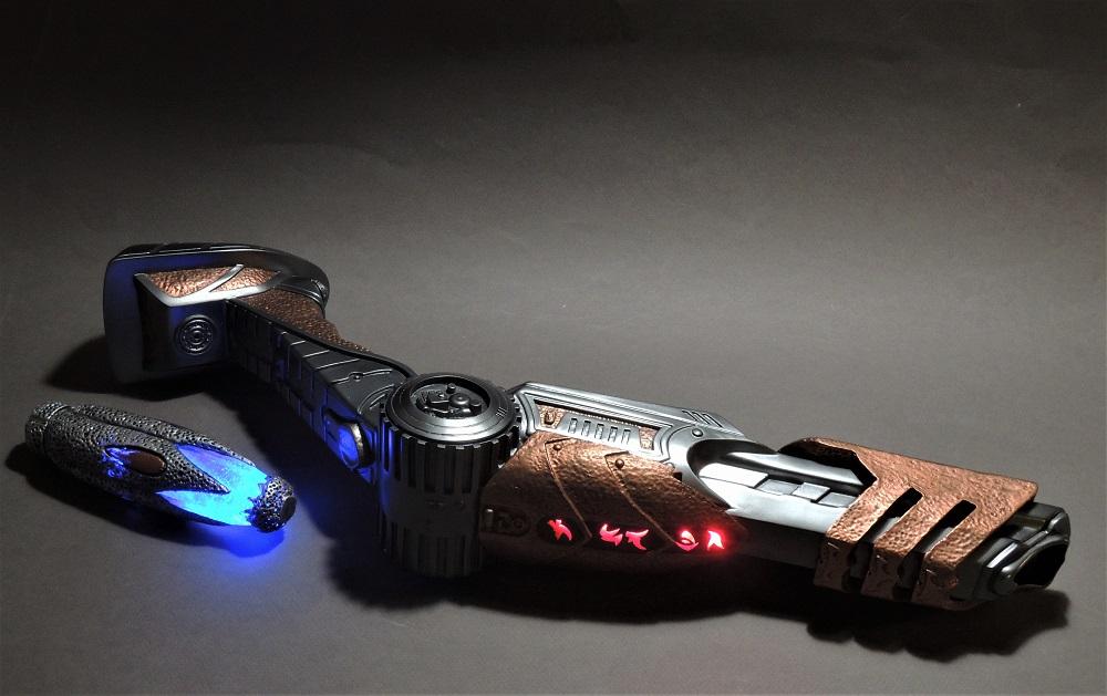 Gun à Plasma et lance de Predator Dscn7311