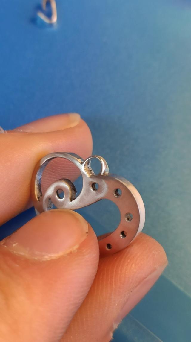 Quelles dimensions d'anneau et de bélière pour ce pendentif ? 10555110