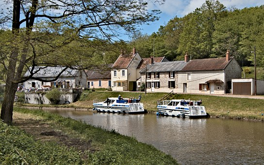 Location vacances La Nièvre 58  Bourgogne Touris66